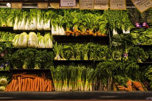 Groenten in de winkel. Foto: Muffet. Bron: Wikimedia Commons. Copyright: CCby2.0.